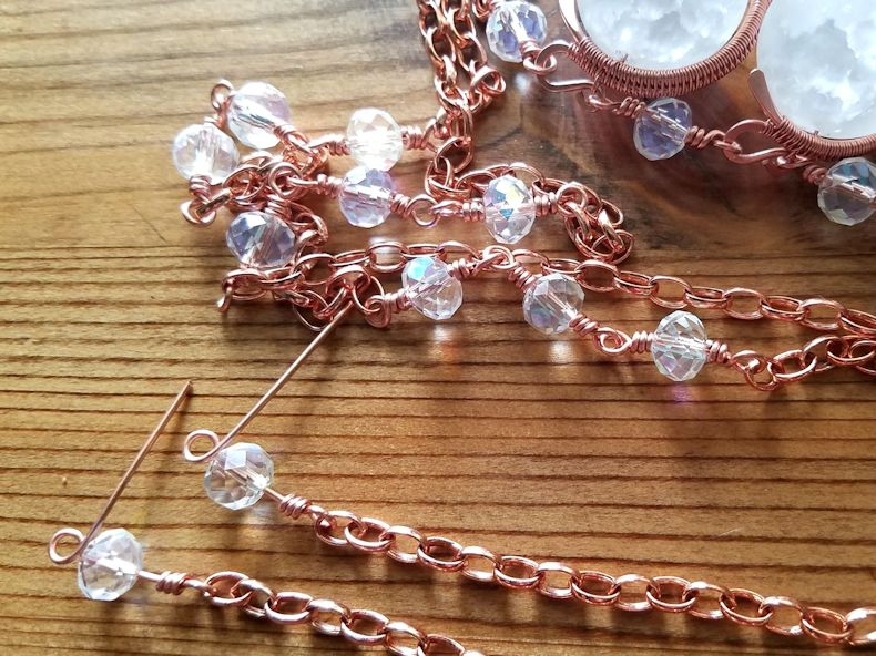 Chain Step 11 - Finish off your chain with a single beaded connector, as shown.