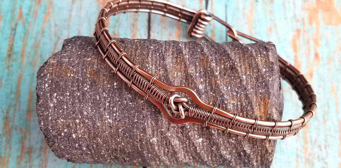 The Lover's Knot Bracelet, made with solid copper wire by Wendi of Door 44 Studios. Learn to make this pretty copper bracelet with this free tutorial.