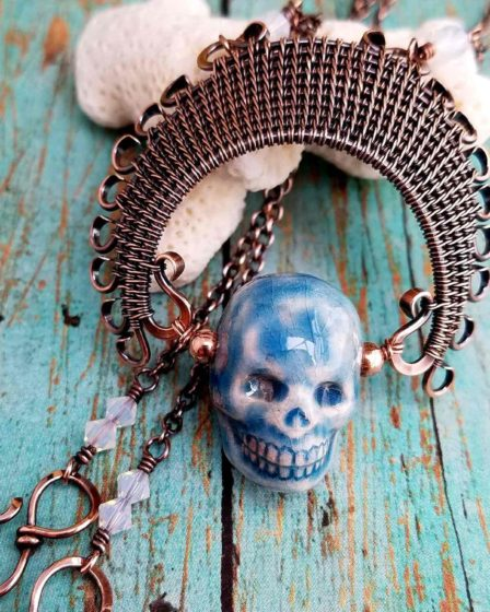The Ancestor Pendant is a fun and funky variation of my Lyonesse Pendant design. This one has ten core wires in the headdress, which makes it a little more challenging to create but the results are definitely worth it! If you're looking for a fun piece of Fall jewelry, definitely give this beginner-friendly tutorial a try!