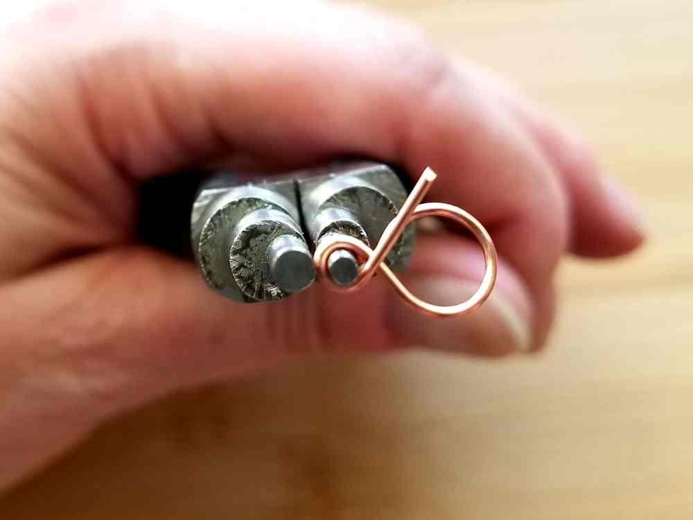 Step 10 - Complete the final 2mm simple loop.