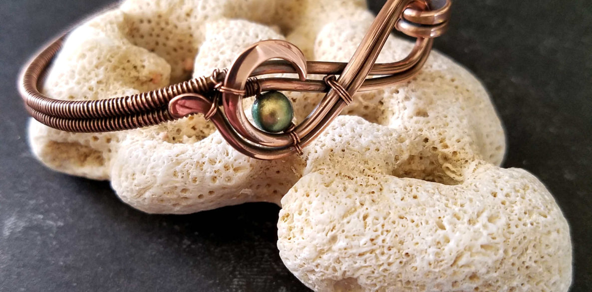 Learn the Figure 8 Wire Weave Over Two Core Wires - Door 44 Studios - Cover Image featuring the Ride the Wave Bracelet